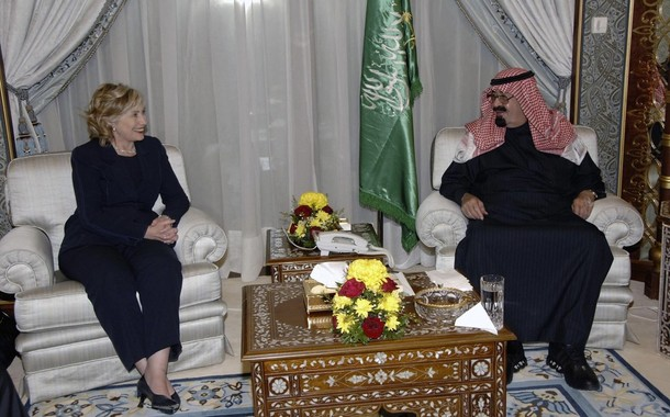 Hillary Clinton ADMITS: Saudi and Qatar Support Terrorism, While Clinton's Accept Their Money